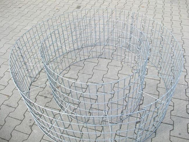 Distanzhalter-im-Gabionen-Hochbeet