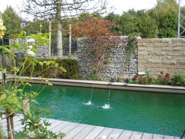 Gabionen-mit-Wasserfall59366e7659793