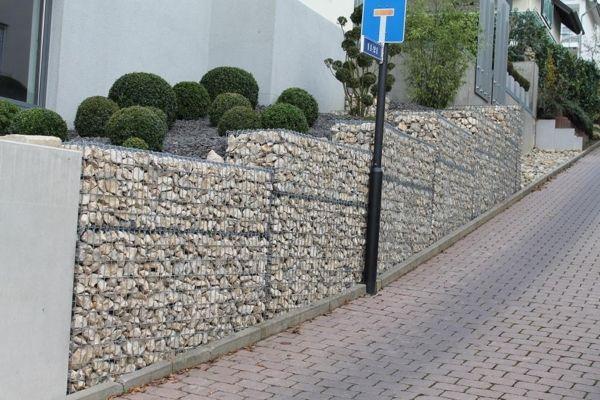 Gabionenmauer-als-Hangsicherung