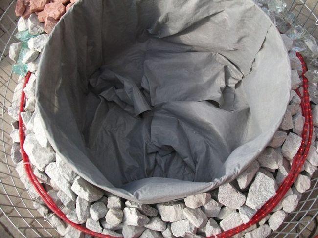 Das-Gabionen-Hochbeet-mit-Bauvlies-ausgelegt593007d14e57b