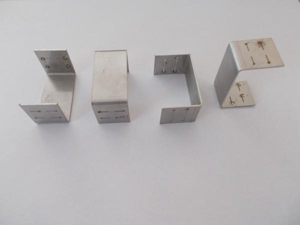 Befestigungmaterial (Klammer) für die Abdeckung der Rako-Zaungabionen