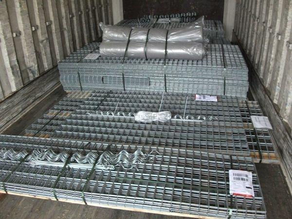 Gabionen-bereit-zum-Transport-im-LKW